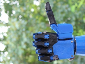 Post image for The Open Hand Project for a low cost robotic hand reaches its goal on Indiegogo